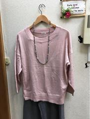 LL新品スモーキーピンクゆったり丸首セーター