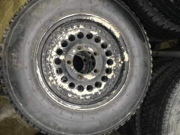 5穴139.7アルミホイール スタッドレスタイヤ付き ジープジムニー