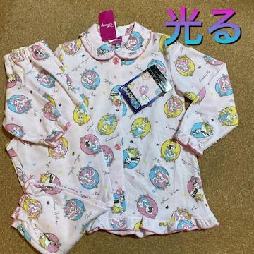 新品タグ付き130光るパジャマ長袖ディズニープリンセス畜光�E