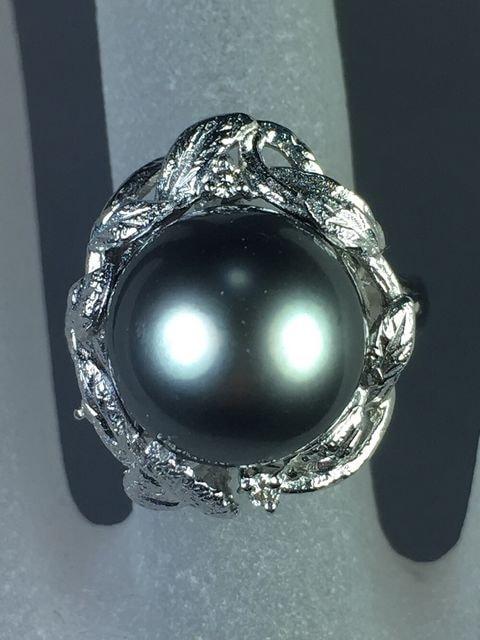 ★上品で大粒《黒蝶真珠リング》約12.4mm 12.7g 14.5号★ < 女性アクセサリー/時計の