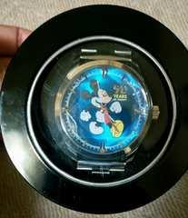 非売品ミッキーマウスプレミアムカットクリスタルウオッチ90thanniversary腕時計