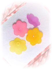 ¥50均一☆『フラワービーズパーツ』暖色系4色[アクリル]20個♪11mm