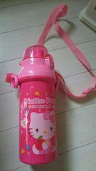 キティちゃんの水筒