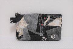 ◆ポケットに猫・ブラックデニム柄◆ファスナーポーチ