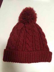 ポンポン付き ニット帽 赤