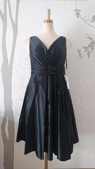 L ミディアムドレス Tika ブラック フレア サテン 新品 T1714