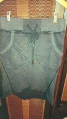■秋物美品LASUDグレー両脇ポケット裾変形スカート■