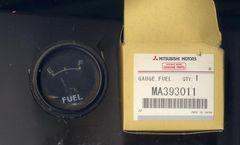 三菱ジープ 燃料計