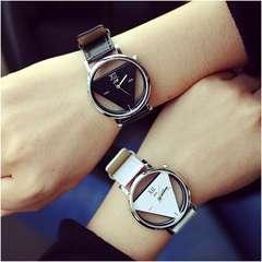 激安商品♪トライアングル盤腕時計 ペアウォッチセット