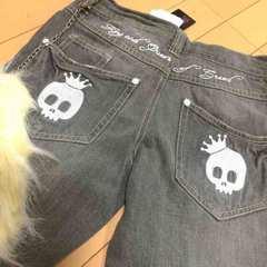 新品◆チェーンファー付ドクロ刺繍◆デニムジーンズ◆140スカル