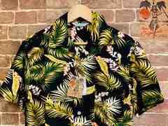 表記S/新品!レーヨン100% アロハシャツ 花柄 サーフ サーファー ヒッピー 西海岸スタイル