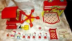 1976 キティ ドールハウス 人形 おもちゃ セット 遊園地 乗り物