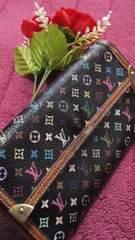 正規品必見人気のブラックマルチ三つ折り長財布
