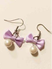 紫リボンパールゆらゆら可愛いフックピアス パーティー結婚式に