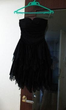 結婚式やパーティーに!黒ドレス