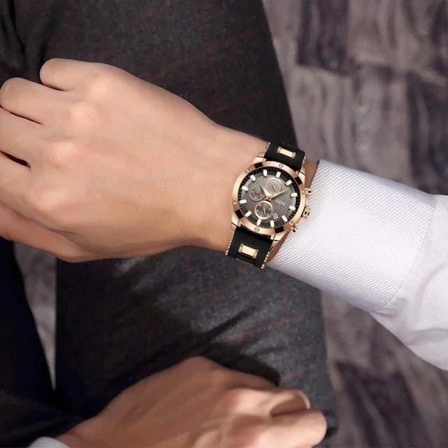 再入荷3890円★カッコイイ多機能クロノグラフ 黒×ゴールド < 男性アクセサリー/時計の