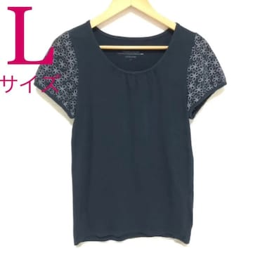 ブラック×花柄Tシャツ