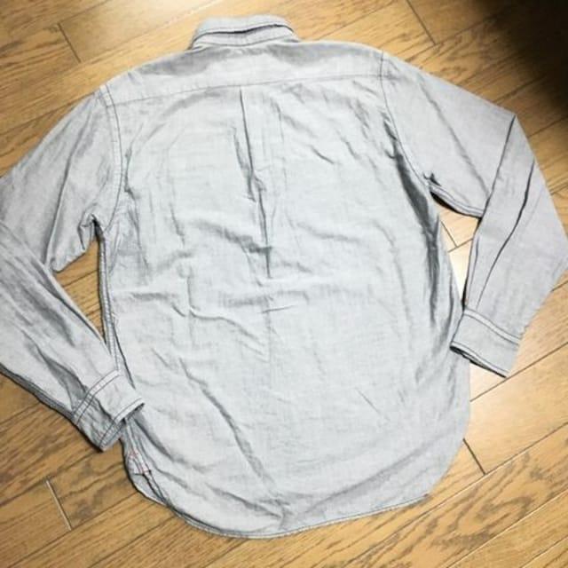 美品BEAMS 刺繍入りシャンブレーシャツ ビームス < ブランドの