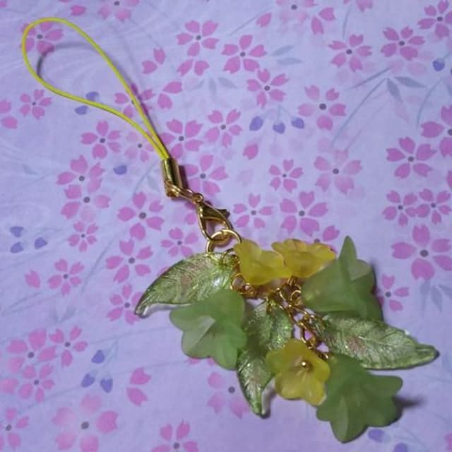 【handmade】2種類のお花*strap* < ペット/手芸/園芸の